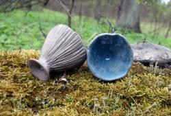 Голубые волшебные грибы - пара керамических кубков